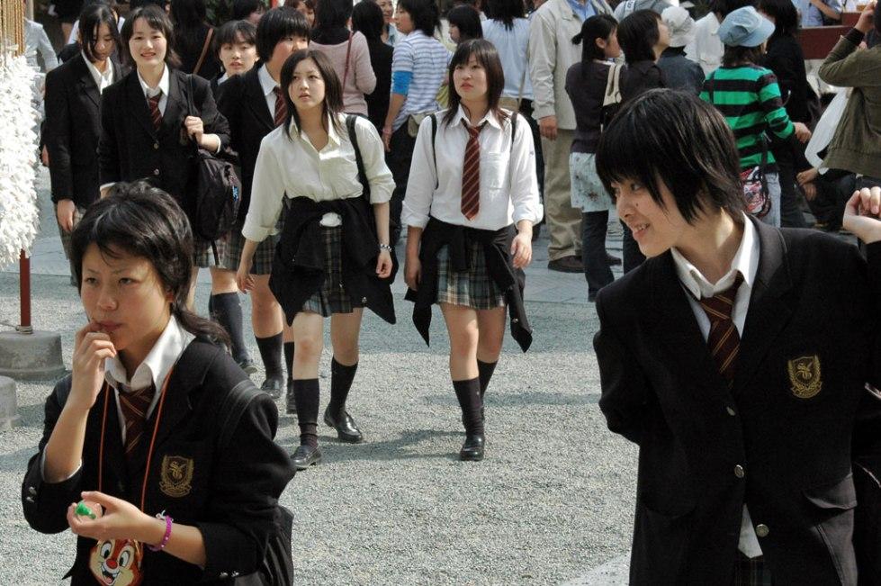 Adolescentes en el centro de Tokio. Nacho Goberna © 2004