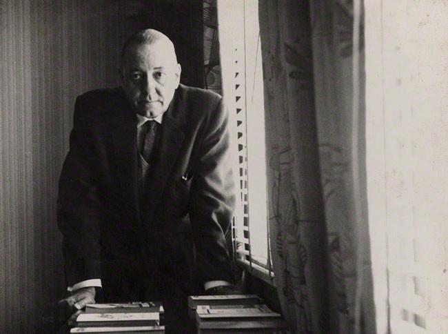 Foto de Alejo Carpentier tomada por Ida Kar en 1964
